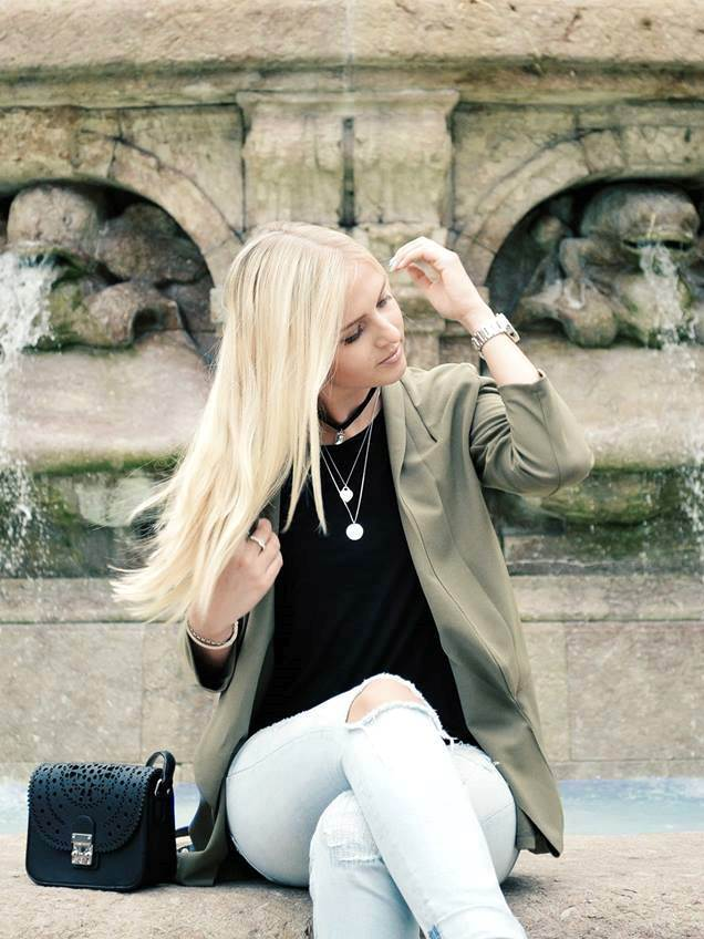 Herbstfarbe khaki kombinieren - Fashion Blog Katefully