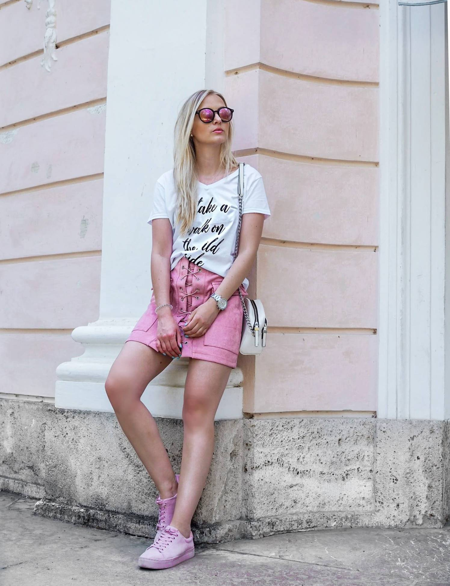 Modeblog Fashionblog Shirt bedrucken Katefully München Shirt selber bedrucken gestalten DIY ootd Modeoutfit Rock Top rosa Streetstyle Fashiontipps Designerin