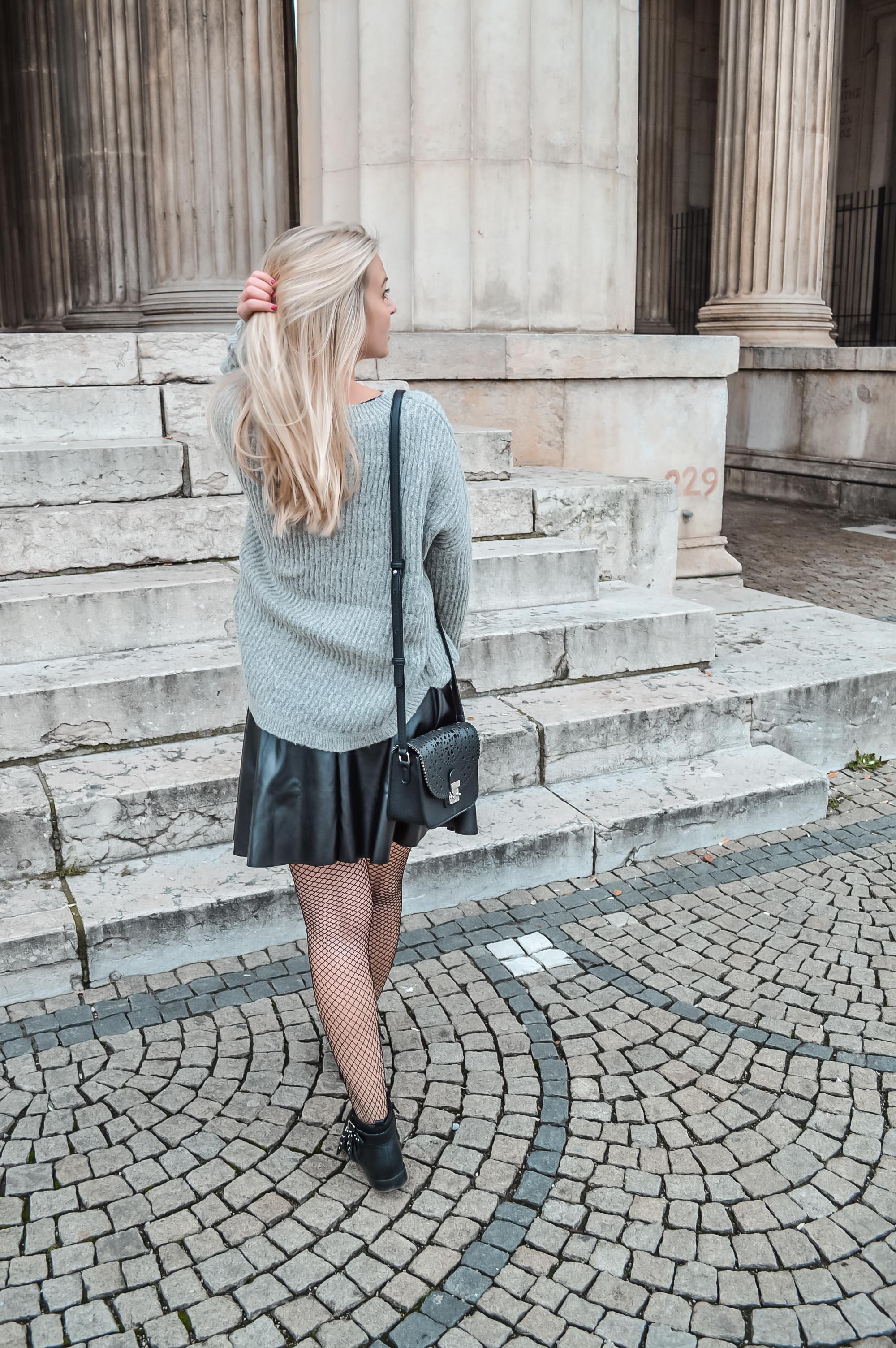 Oversize, Strick, Fashionblog, Modeblog, München, Katefully, Outfit, Lederrock, Rock, Netzstrumpfhose, ootd