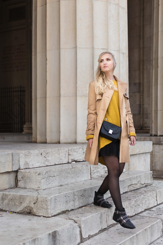 Trenchcoat Mantel beige Pullover senfgelb Fashionblogger München Modeblog Rock Boots