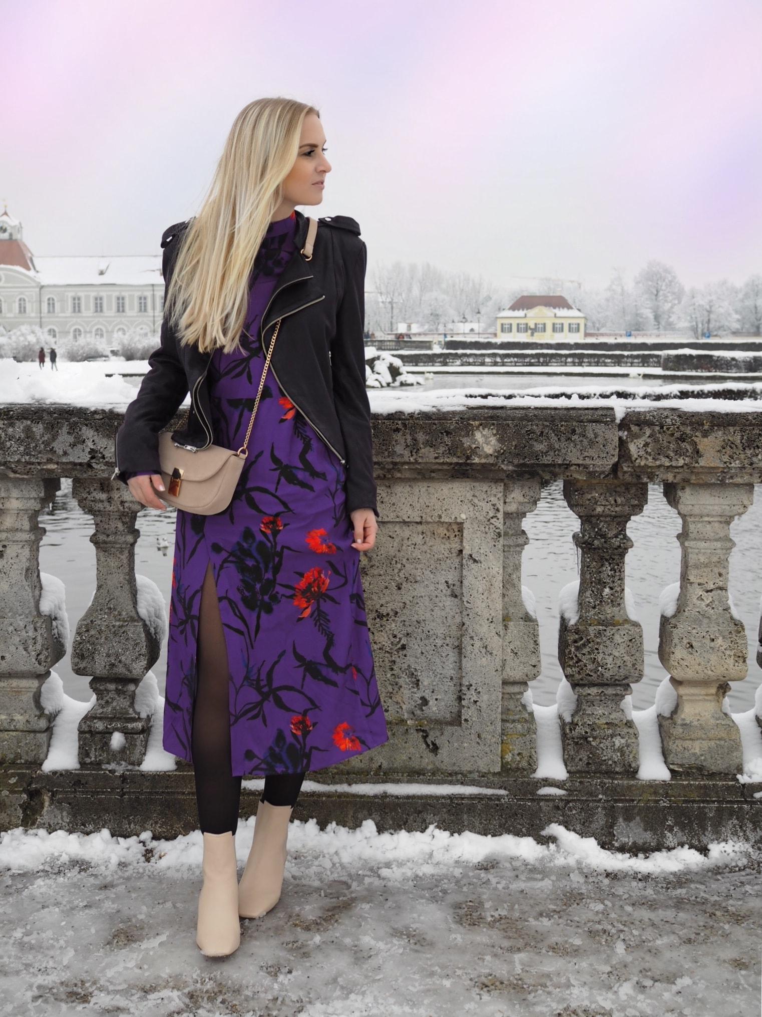 Trendfarbe des Jahres 2018 Pantonefarbe Ultra Violet Lila Kleid Lederjacke Trend Katefully Fashionblog Modeblog München Fashion ootd Outfit