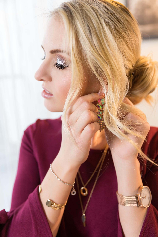 Weihnachtsoutfit Sparkling Christmas Look Fashion Weihnachten Modeblog Katefully München Kleid rot und gold Make Up